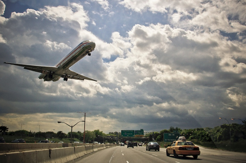 plane-over-the-highway-new-york